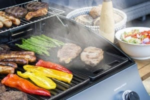 Sahara 3 Burner Oak Gas BBQ Offers Excellent Cooking Opportunity