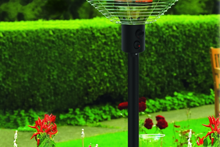 Tabletop Patio Heater_lifestyle_High Res_charcoal