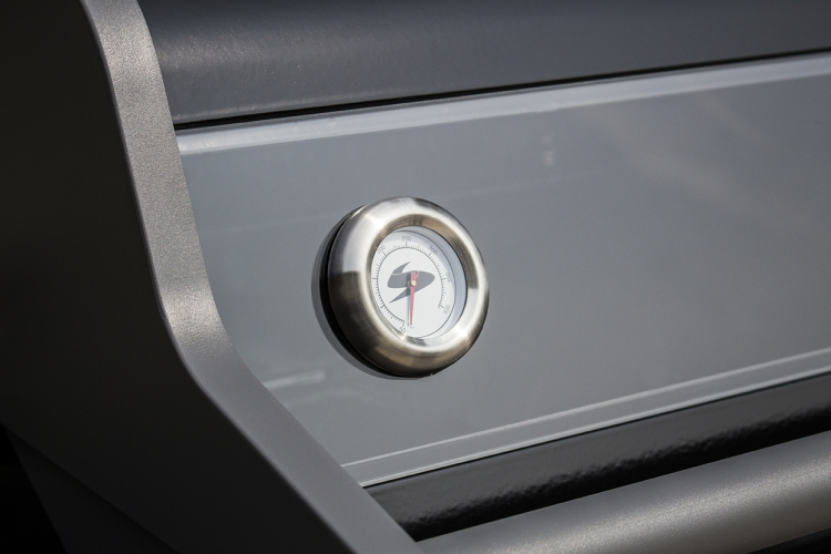 X450_lifestyle_tempertaure gauge