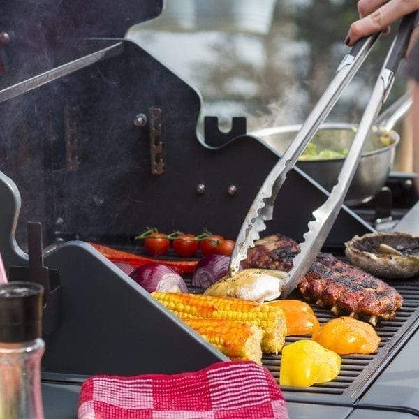 3 Piece BBQ Tool Set_lifestyle