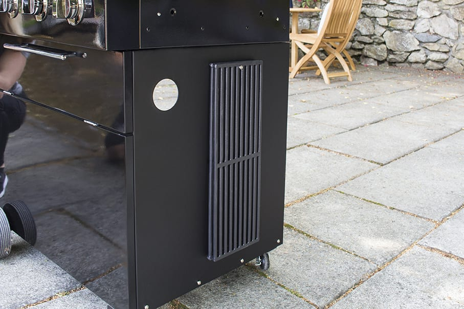 A450_lifestyle_grills hanging_IMG_2770